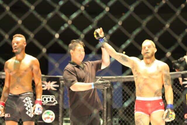 Mike Fowler defeated Brandon Fraser via TKO 1stRound